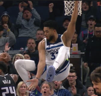towns hanging.PNG