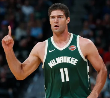 Brook Lopez.PNG